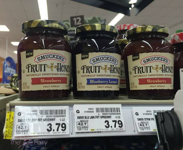 Check out the new Smucker's Fruit & Honey Fruit Spreads - naturally sweetened with honey! #ad #FruitAndHoney | The TipToe Fairy