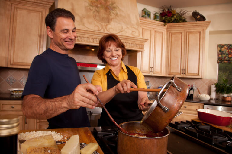 #Holiday get together? Check out these Easy Italian Dinner Party #Recipes! #ad @Michael_Angelos