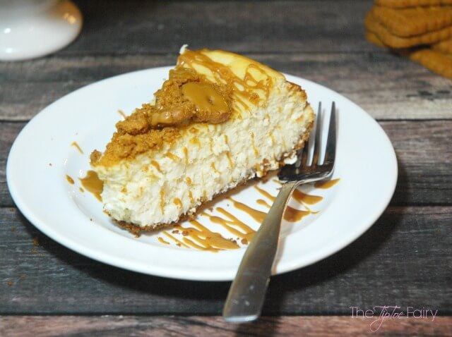 Cookie Butter Cheesecake - an amazing #dessert! #ad #SweetenTheSeason #CookingUpHolidays