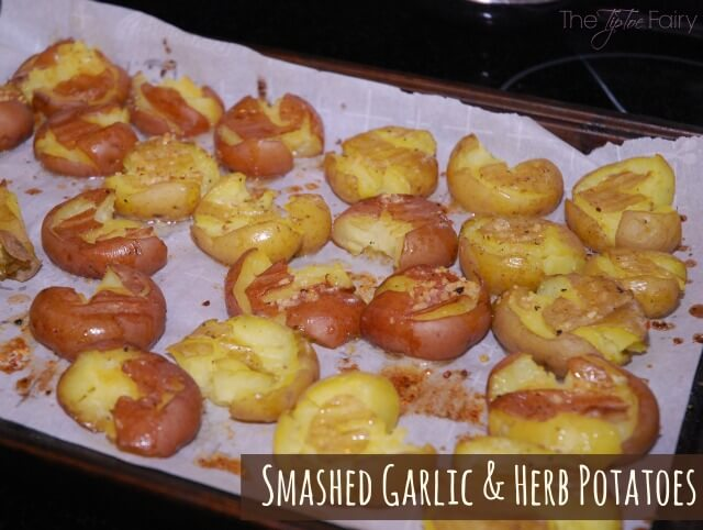 Garlic & Herb Smashed Potatoes - a deliciously easy side dish! #food # ...