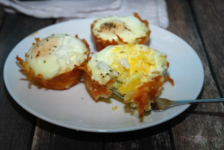 Hashbrown Egg Nests - an easy #breakfast w/ #SundaySupper #food #foodporn