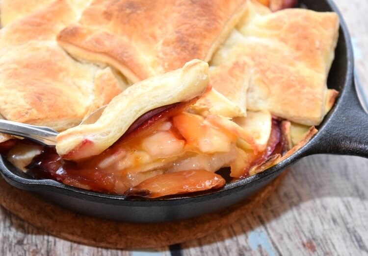 Make this scrumptious Apple Plum Skillet Cobbler for #dessert tonight! #SoFabSeasons