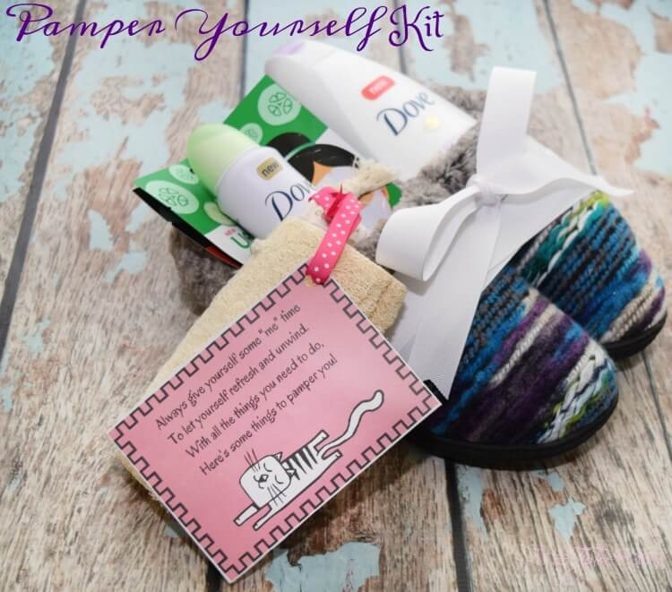 Make a new mom a pampering slippers kit w #free #printables! #PamperWithPeony #ad