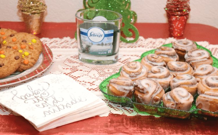 Tips w @Febreze_Fresh to make your home smell great for the holidays & avoid the #12Stinks! #ad