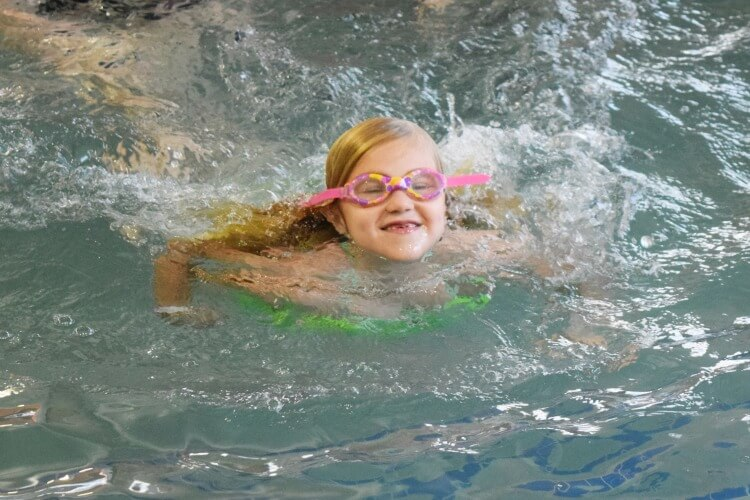 4 Tips to Help your Child Feel Confident Swimming! #SwimWays #IC #ad