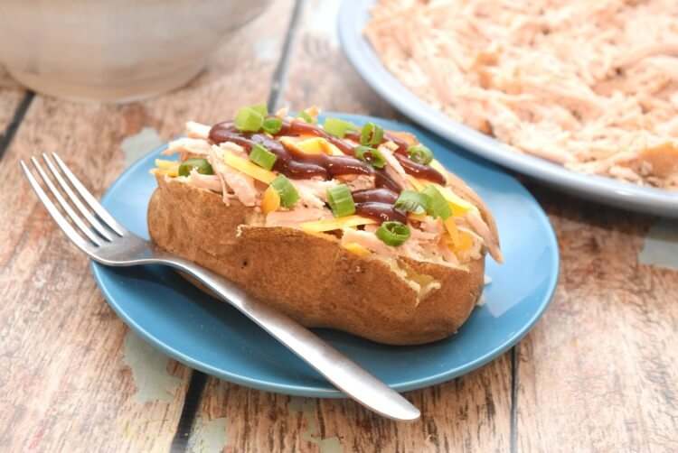Get #RealFlavorRealFast with this easy BBQ Baked Potato with @Smithfieldfoods marinated pork! #ad