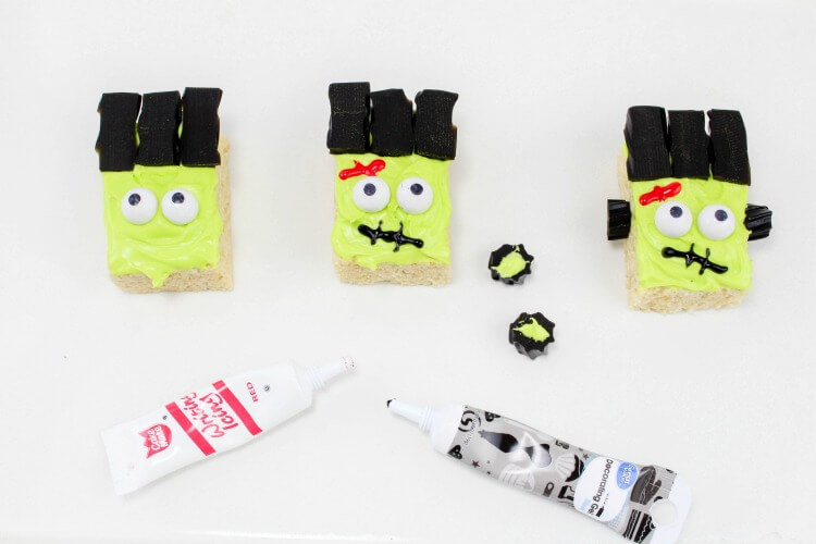 Easy Step by Step to make the face of for Frankenstein Monster Rice Krispies Treats!