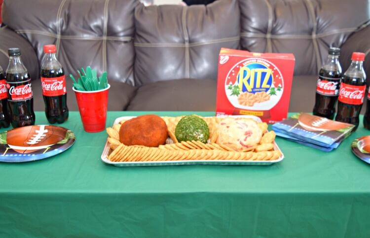Easy ideas for Game Time Snacks w/ @ritzcrackers & @cocacolaunitedstates! #ad #TogetherforGameTime @Walmart @SheSpeaksUp