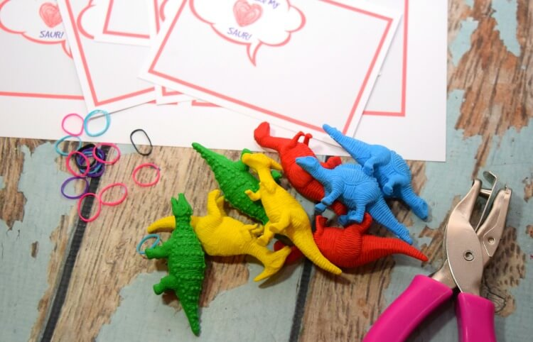 Dinosaur Valentines - You Make My Heart SAUR! | The TipToe ...