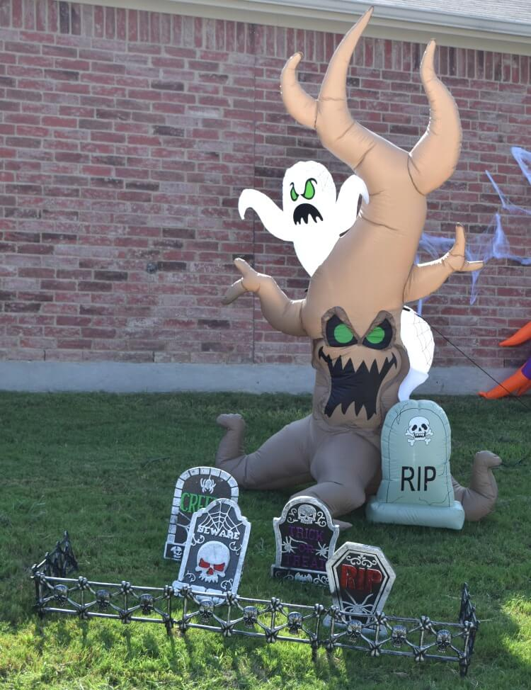 Halloween Inflatable Grave Scene with Tree Monster and Ghost