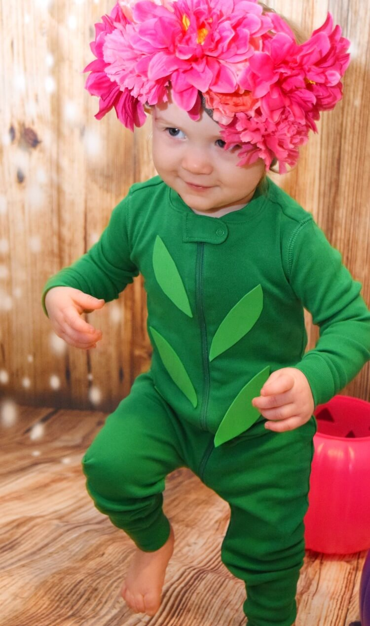 Easy Budget Friendly Flower Costume