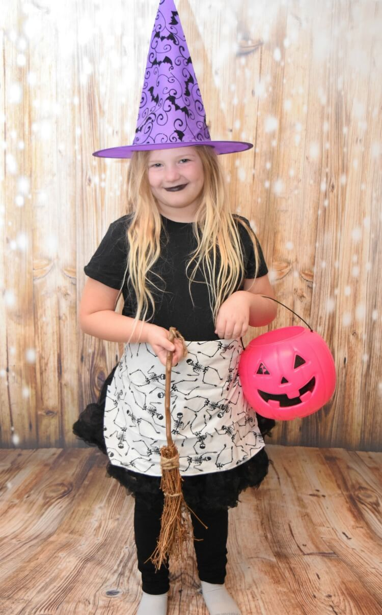 Easy Budget Friendly Witch Costume