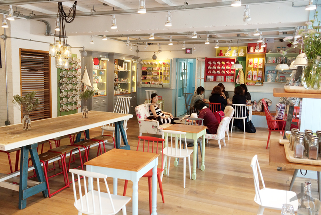5 Brand Cafes in Seoul - Cath's Cafe (Cath for Cath Kidston!)