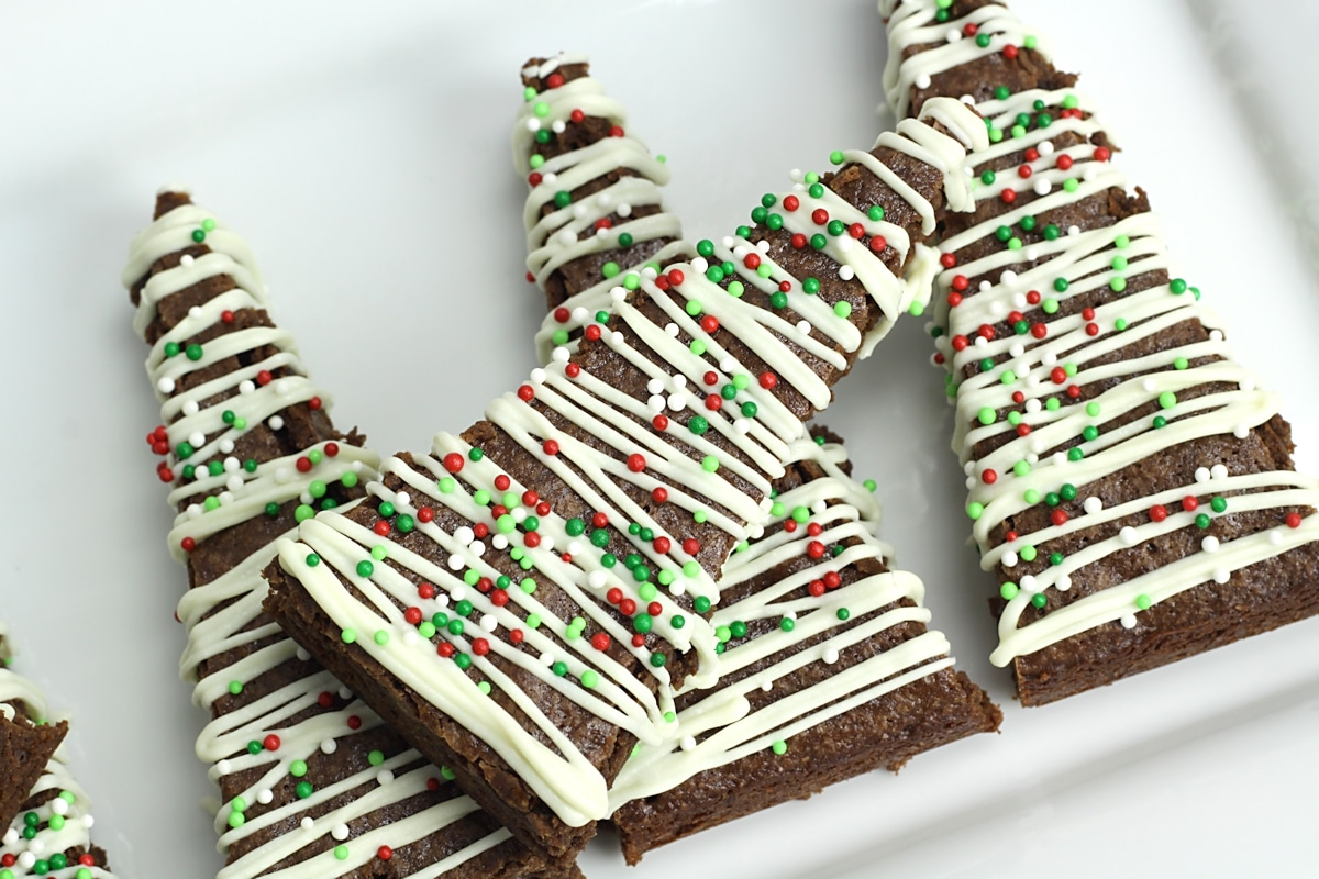 Chocolate Brownie Trees with Mint White Chocolate Drizzle by The Toasty Kitchen