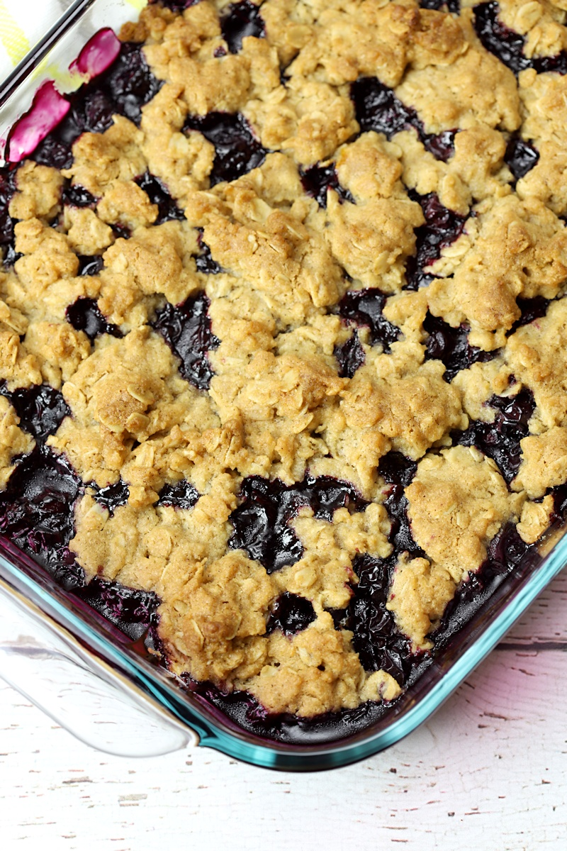 Close up of oat crisp on top of the blueberry filling.