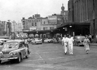 tokyo-shinjuku-station-east-exit-circa-1955