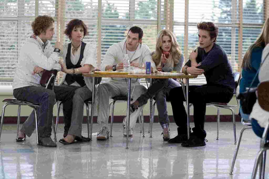 1st-Best-Twilight-Movie-compressed-2