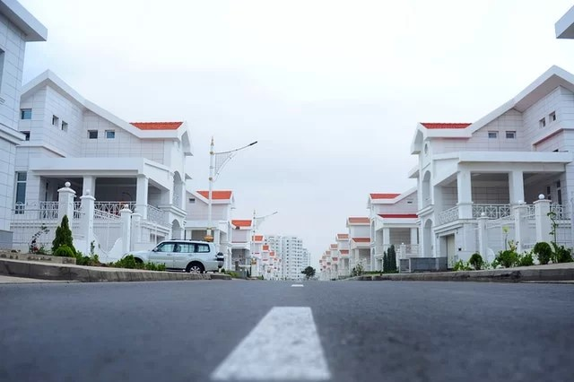 Investing in Residential vs. Commercial Real Estate