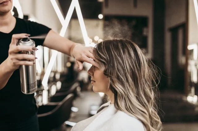 How to Encourage Personal Development for Salon Employees