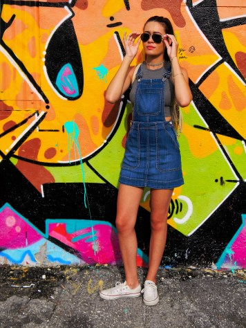 Crop Top: H&M, Denim Dress: H&M, Choker: Forever 21, Sunglasses: Ray-Ban Polarized, Shoes: Converse