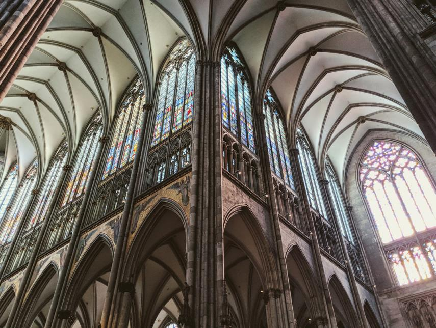 Looking up at the vault of Cologne Cathedral
