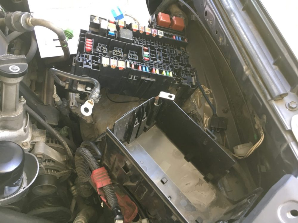 medium resolution of p0031 p0051 2003 4runner opened engine fuse box