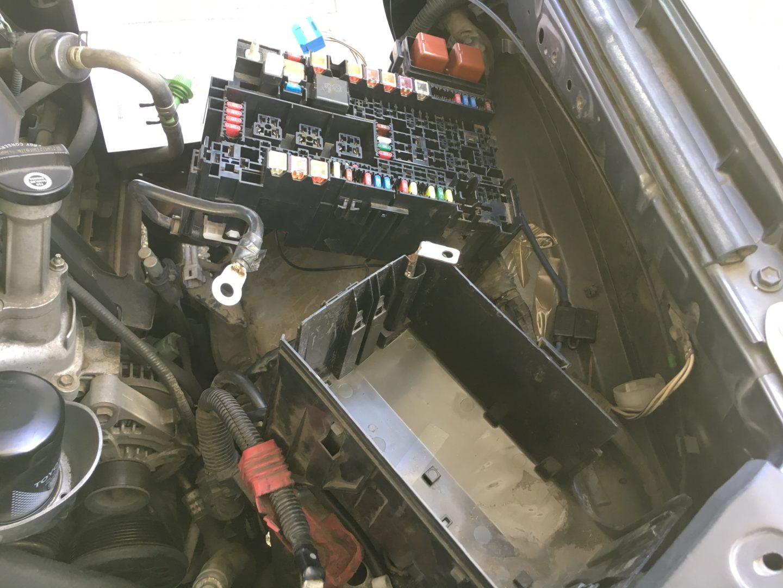 hight resolution of p0031 p0051 2003 4runner opened engine fuse box