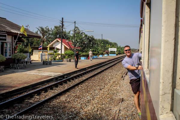 bangkok to kanchanaburi train death railway