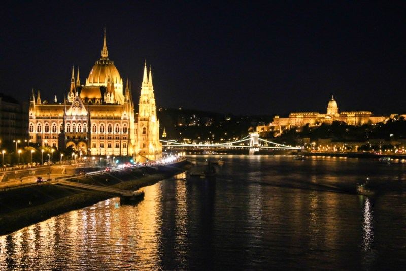 danube at night budapest