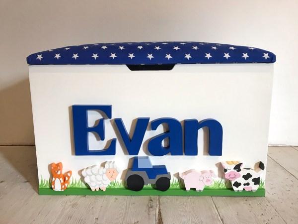 farm animal personalised toy box
