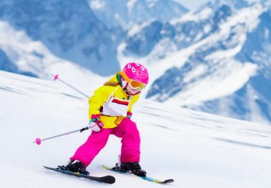 BREAKING: Crowd holds breath as five-year-old ski prodigy hurtles toward massive jump