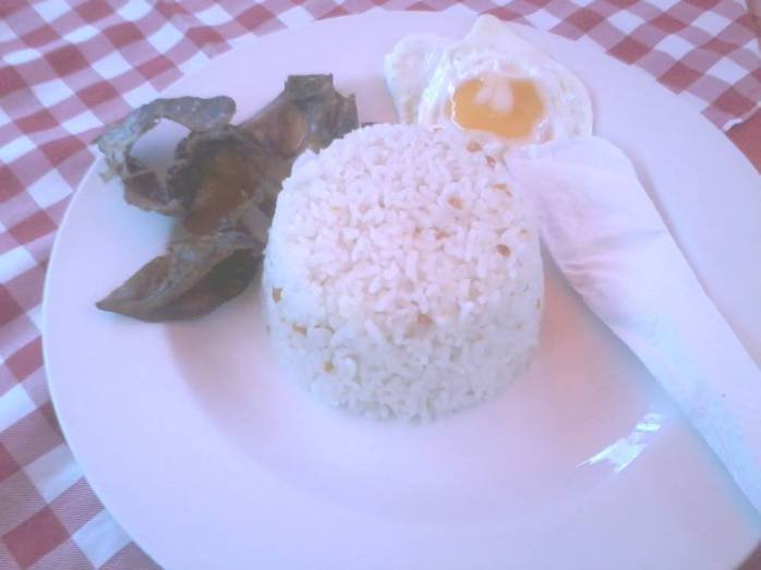 We enjoyed Cebu's danggit breakfast for just P80/meal!