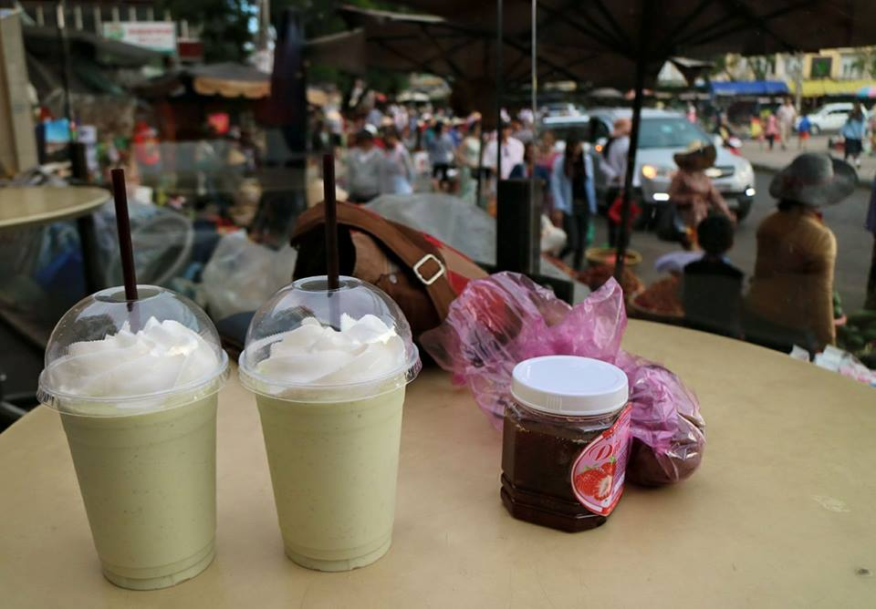 Avocado Smoothies in Da Lat, Vietnam