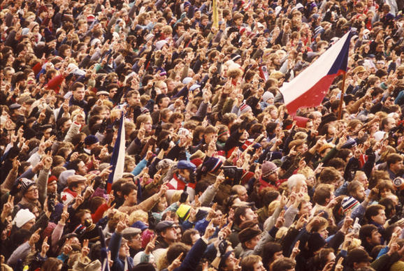 November 17th 2014 – Romanians and Czechs Choose Democracy