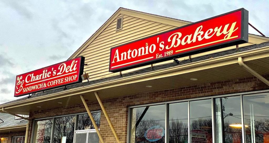 Antonio's Bakery, Antonio's Bakery & Charlie's Deli: Warwick, Rhode Island, The Travel Bug Bite