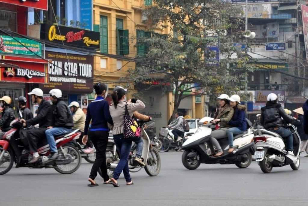 Crossing the Street HCMC