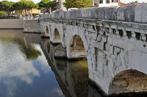Ponti di Tiberio Bridge, Rimini