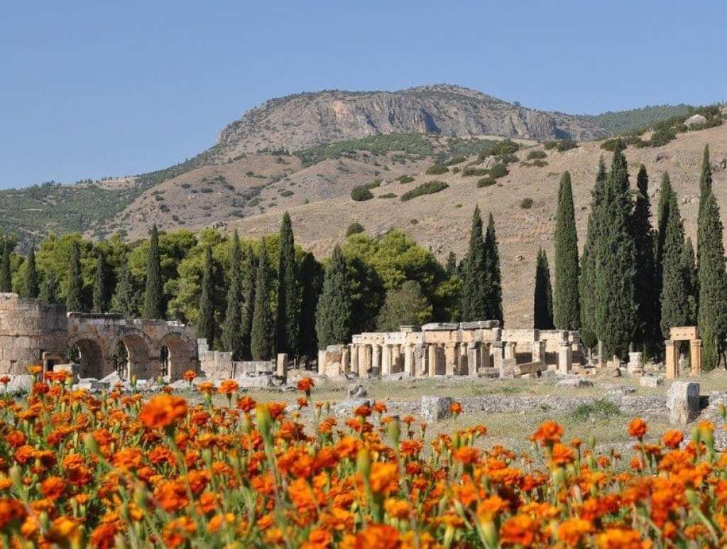 Hierapolis Collonades
