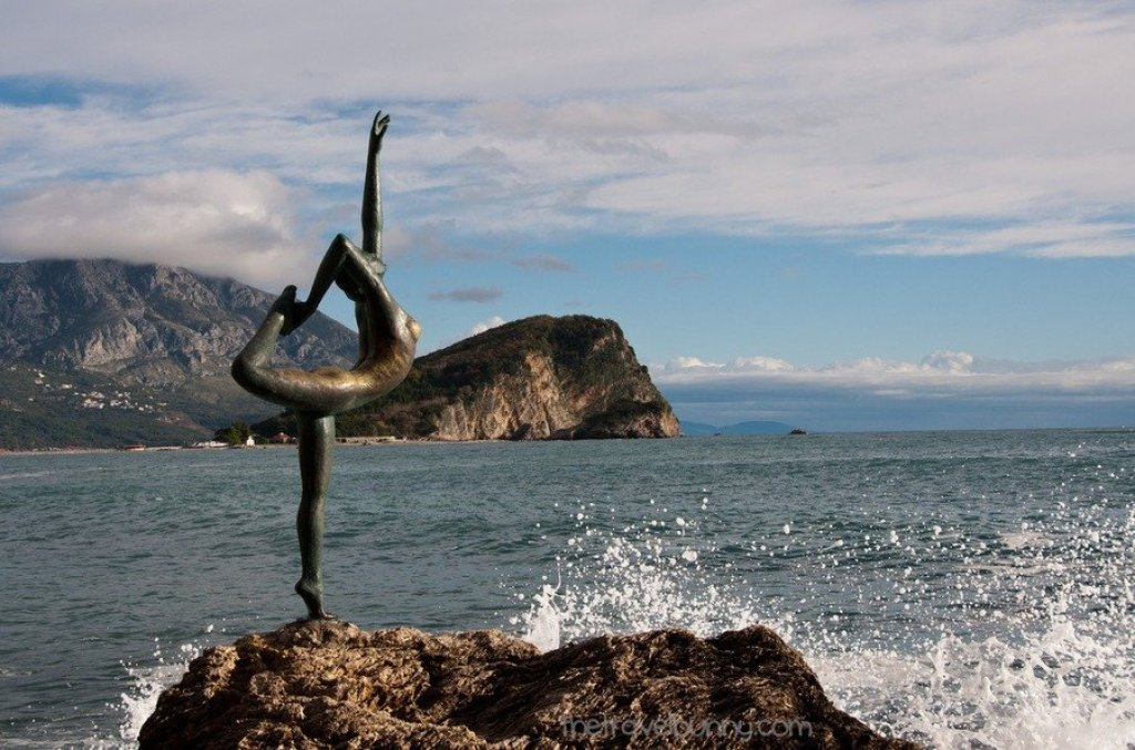 Dancing Girl Statue Budva