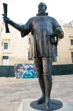 Statue of Grandmaster Jean Parisot de la Valette