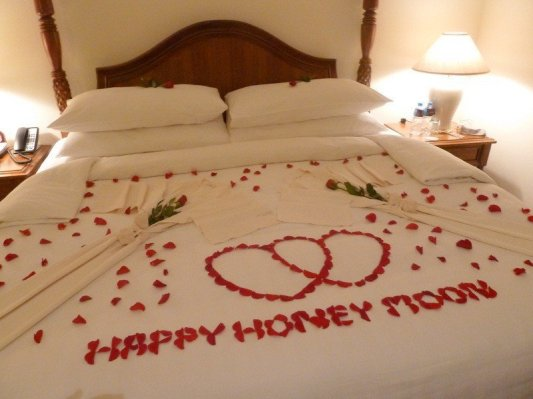 Honeymoon Hearts Cambodia