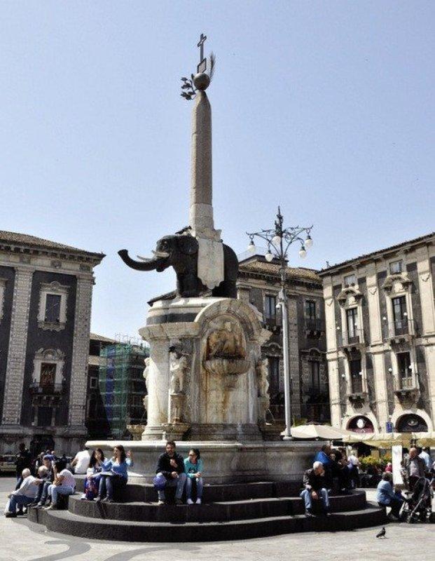 Fontana d'ell Elefante, Catania