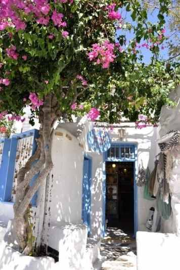 Pretty shops in Mykonos
