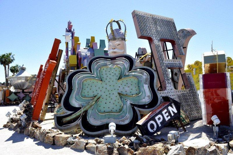The Neon Boneyard, Vegas