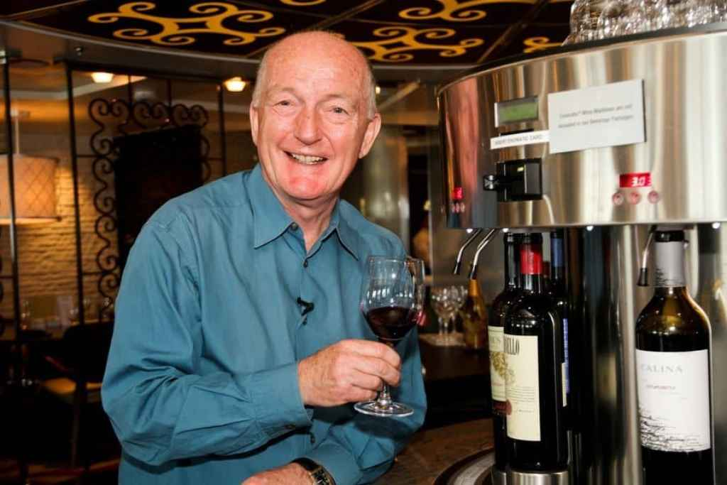 oz-clarke-cruise-ship