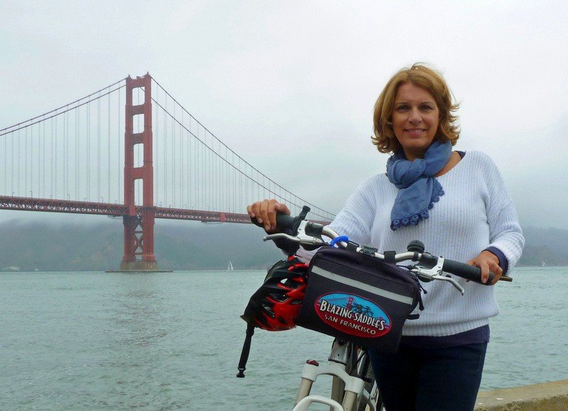 bike- the-golden-gate-bridge-Blazing-Saddles