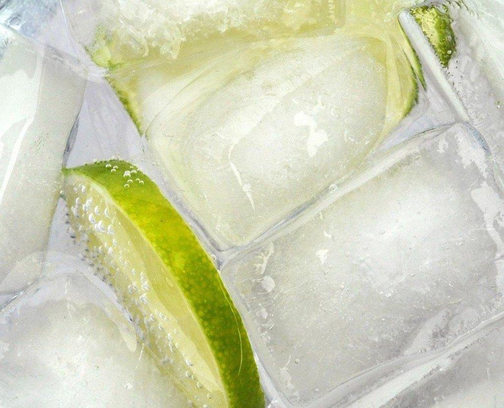 ice-lime-gin-tonic-worldginday