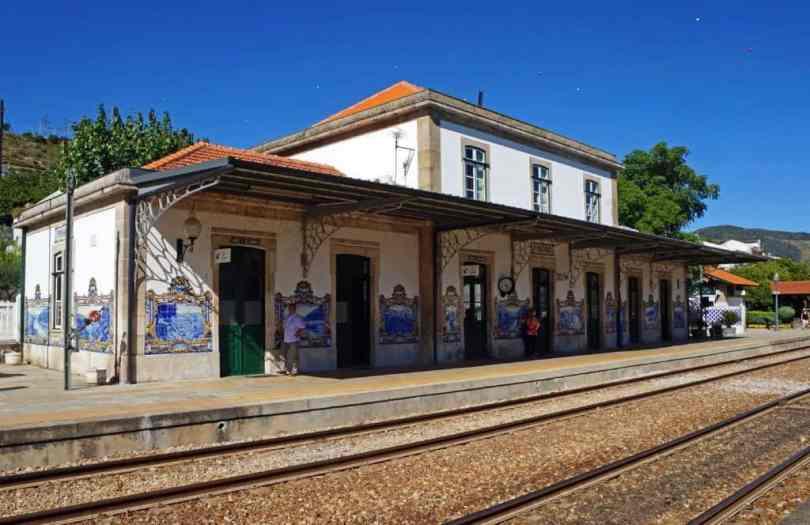 Pinhão-train-station
