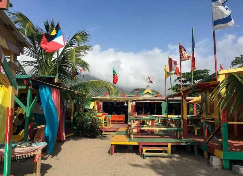 St kitts a food restaurant guide the travelbunny for Food bar 810