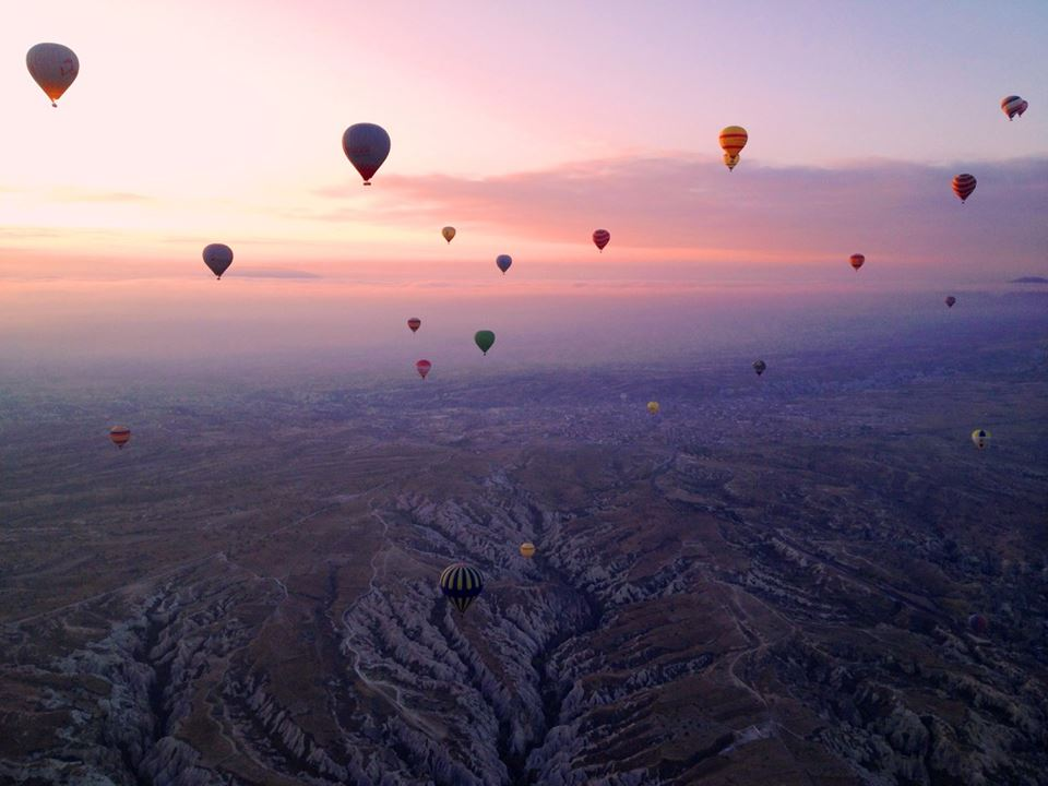 Hot - air ballooning